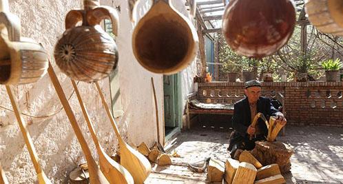 熱合曼·阿卜都拉:與手工民族樂器對話的人