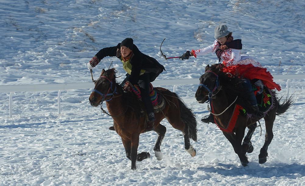 新疆那拉提冰雪旅遊文化節開幕