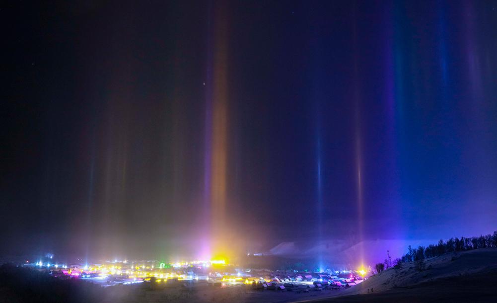 新疆禾木雪鄉出現日柱現象