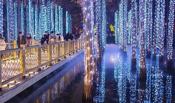 武漢:璀璨燈海引客來